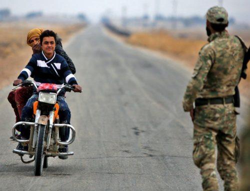 """""""رحلة شقاء"""": التهريب بديل المعابر الرسمية بين الجيش الوطني و""""قسد"""" في منطقة نبع السلام"""