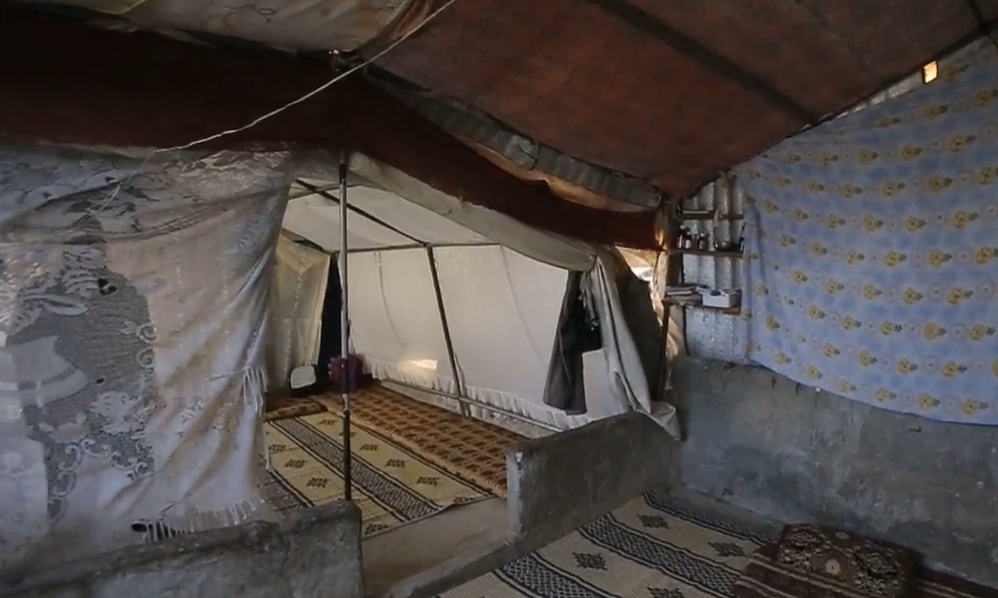 The al-Salloum family's tent in the Aidoun camp in the city of Salqin in Idlib province, 10/21/2020 (Violet - Syria Direct)